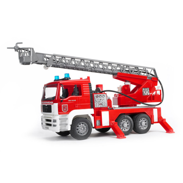 Пожарная машина Bruder MAN с лестницей и помпой с модулем со световыми и звуковыми эффектами