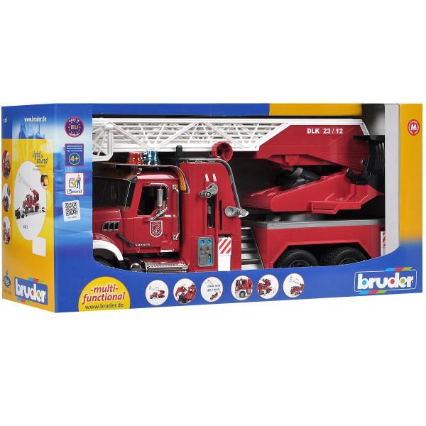 Пожарная машина Bruder  MACK с выдвижной лестницей и помпой с модулем со световыми и звуковыми эффектами