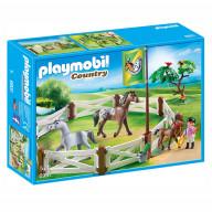 Конструктор Playmobil Конный клуб: Загон для лошадей